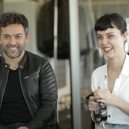 ONA SAEZ + AMORES TRASH COUTURE INSPIRADOS EN SEX PISTOLS CON LA MÚSICA DE IBIZA PAREO